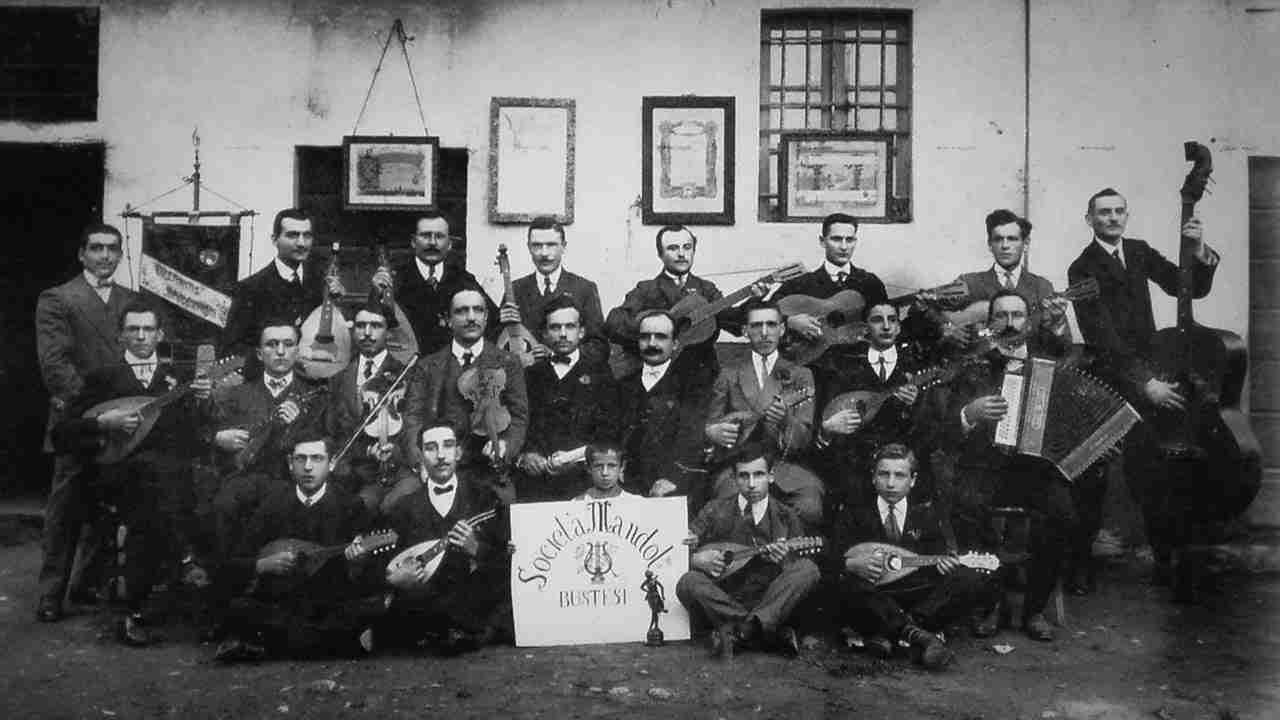 Mandolinisti Bustesi 1907
